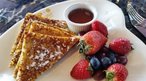 French toast, with less than fresh fruit