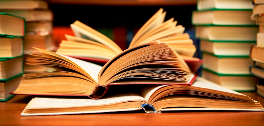 Books HD by Flickr user Abhi Sharma